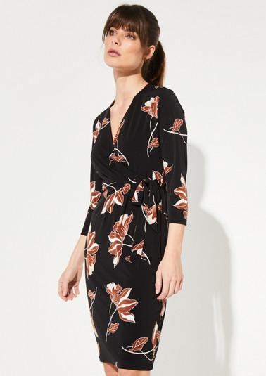 Jerseykleid mit dekorativem Musterspiel