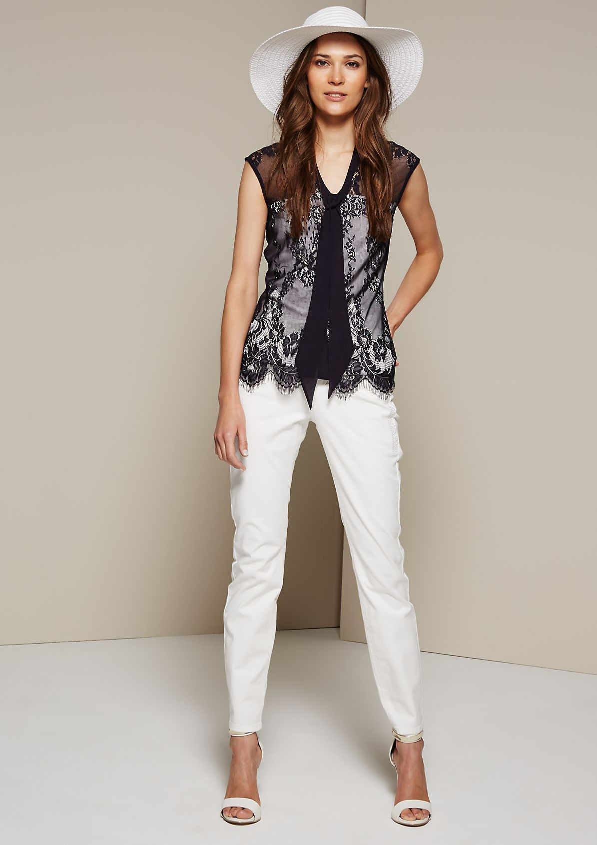 Sleeveless blouse in delicate lace from s.Oliver