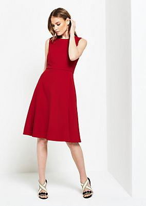 Elegant business dress with sophisticated details from comma