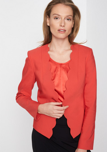 Business blazer with elegant details from comma