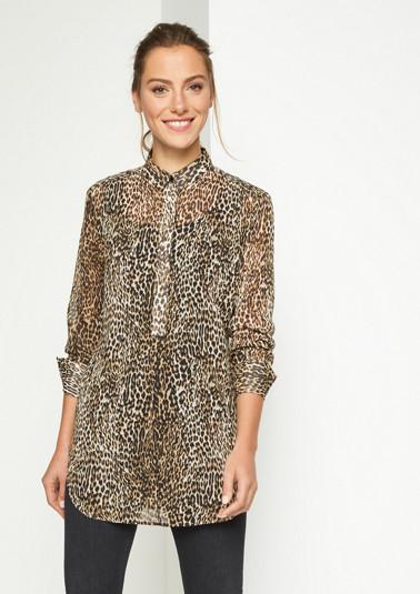 Zarte Longbluse mit Leopardenmuster