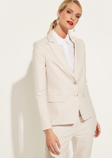 Elegant business blazer with smart details from comma