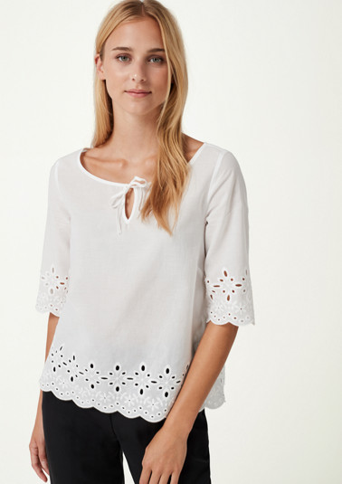 Bluse mit dekorativen Ton-in-Ton Stickereien