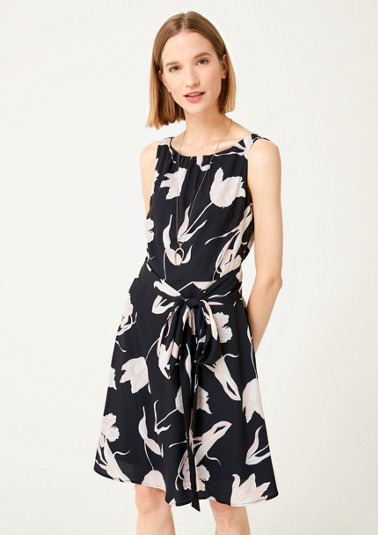 Lightweight dress with an all-over floral print from comma