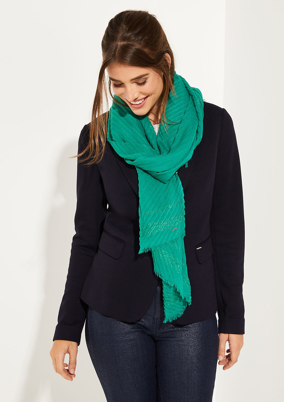 Plissierter Schal mit Glitzerstreifen