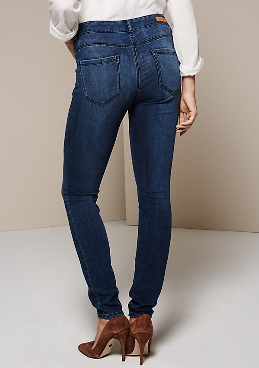 Lightweight jeans in an exciting wash from s.Oliver