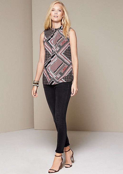 Lightweight top with a decorative all-over pattern from comma