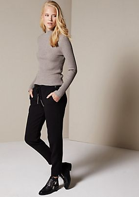 Elegant, casual trousers with exciting details from comma