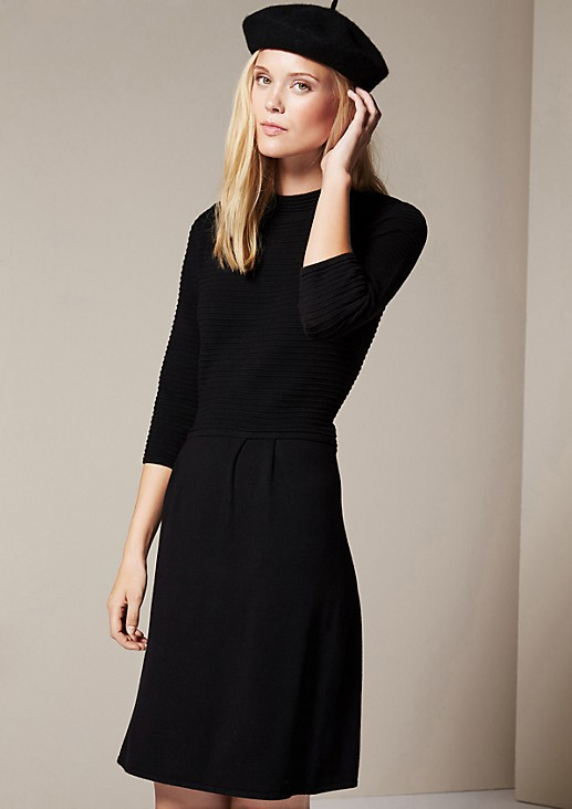 Elegant knitted dress with a decorative mixed pattern and 3/4-length sleeves from s.Oliver