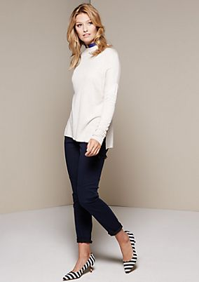 Beautiful knitted jumper with fine detailing from comma