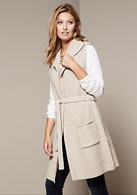 Classic long knitted waistcoat with beautiful details from comma