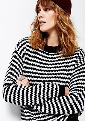 Cosy chunky knit jumper in a striped look from comma