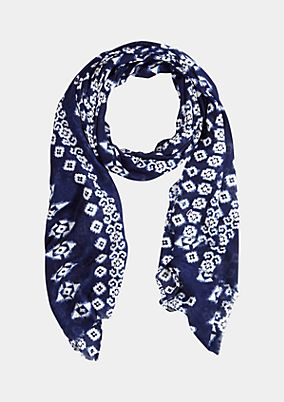 Delicate scarf with a beautiful all-over print from s.Oliver