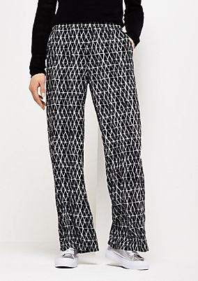 Extravagant summer trousers with an exciting pattern from comma
