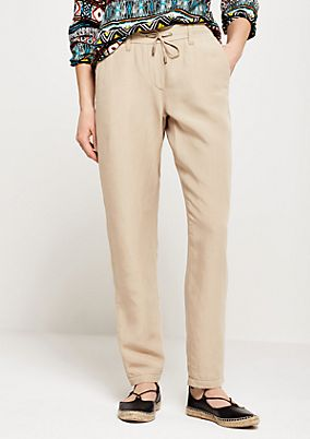 Sporty summer trousers with lovely details from comma