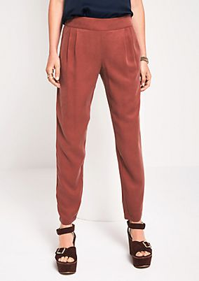 Summery lounge trousers with wonderful details from s.Oliver