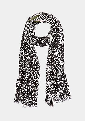 Scarf with a decorative all-over pattern from comma