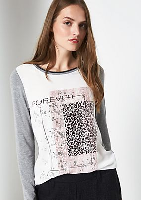 Long sleeve top with a decorative front print from comma