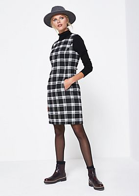 Fine dress in a checked look from comma