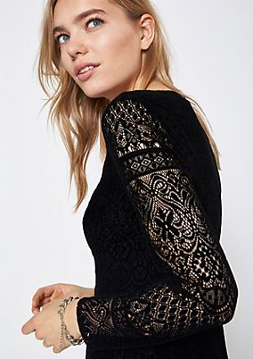 Velvet dress made of delicate lace from comma