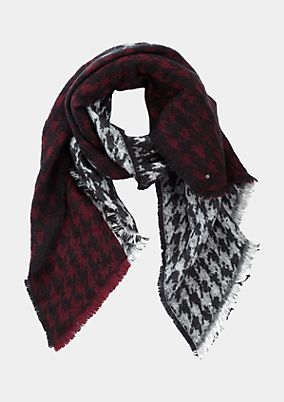 Asymmetric knit scarf with a two-tone pattern from comma
