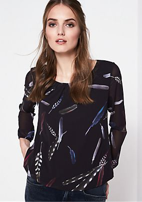 Delicate crêpe blouse with an attractive all-over print from comma