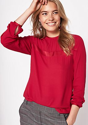 Casual crêpe blouse with smart details from comma