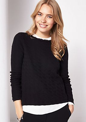 Short knitted jumper with a sophisticated pattern from comma