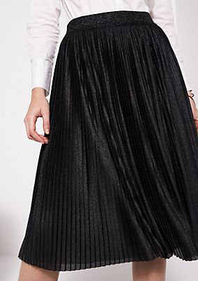Long pleated skirt in a glitter look from comma