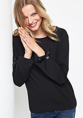 Long sleeve sweatshirt with sophisticated details from comma