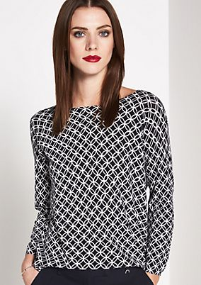 Lightweight knitted jumper with an elegant minimal pattern from comma