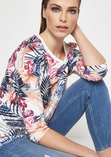 Lightweight sweatshirt with a colourful floral print all over from comma