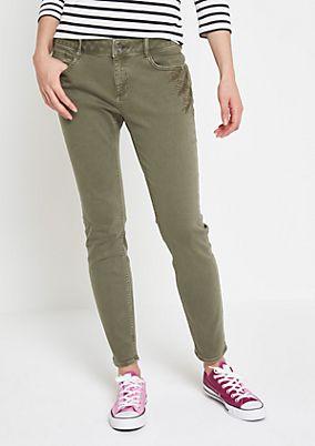 Khaki-farbene Jeans mit Floralstickereien