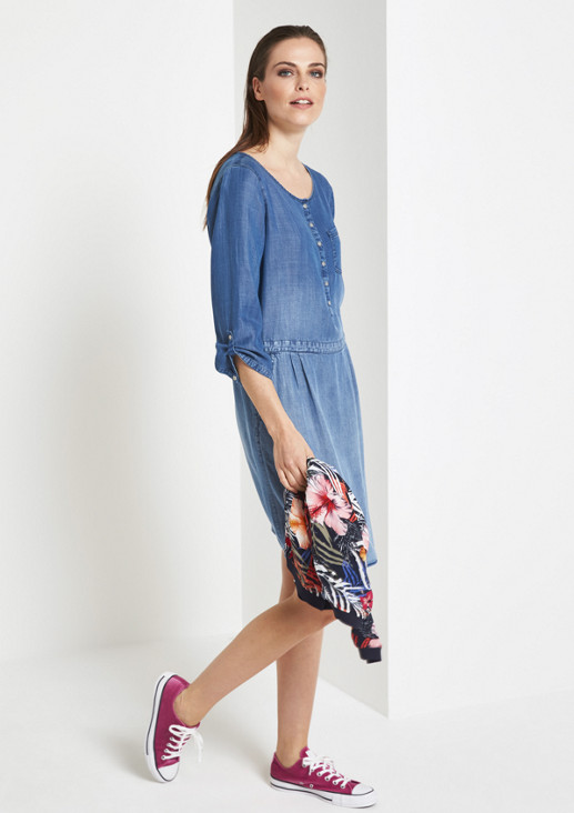 Lightweight, casual dress in a denim look from comma