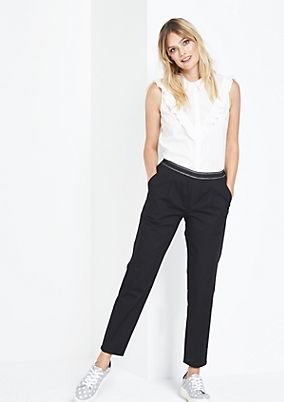 Lightweight casual trousers with fine details from comma