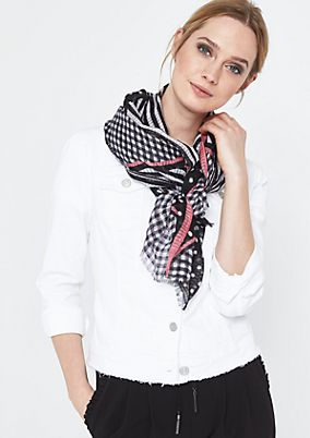 Asymmetric scarf in a mix of patterns from comma