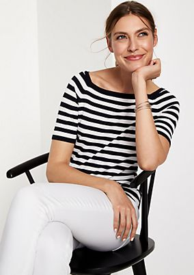 Short sleeve knit jumper in a striped look from comma