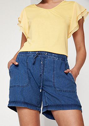 Casual denim shorts with a pinstripe pattern from comma