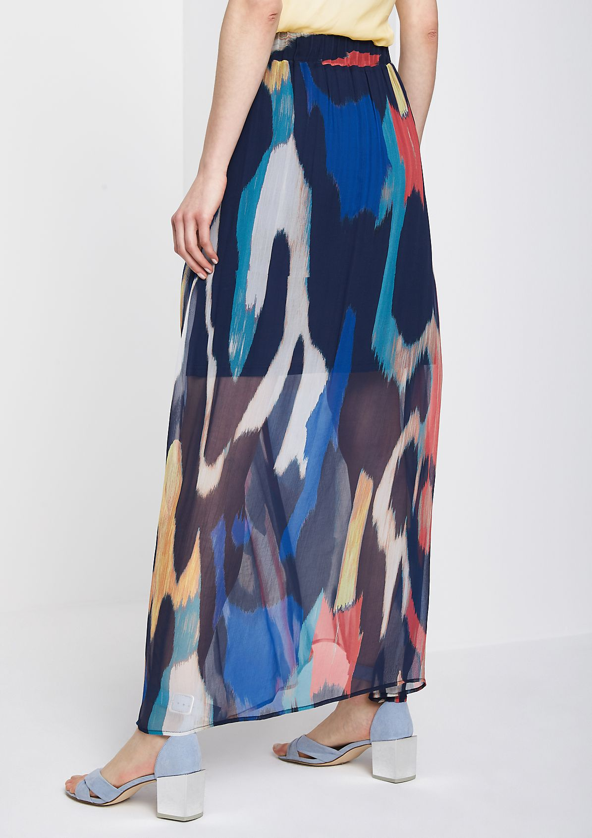 Delicate chiffon skirt with a colourful pattern from comma