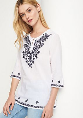 Lightweight tunic in a tribal style from comma
