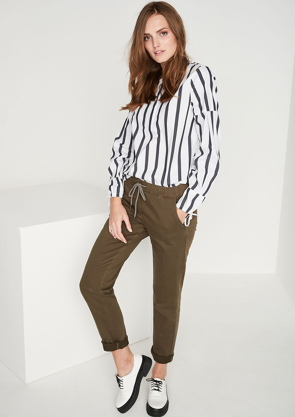 Elegant blouse with sophisticated details from comma