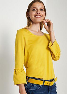 Jerseyshirt mit feinen Rüschenverzierungen