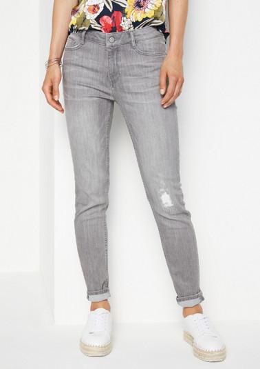 Lässige Jeans mit Destroyed-Elementen