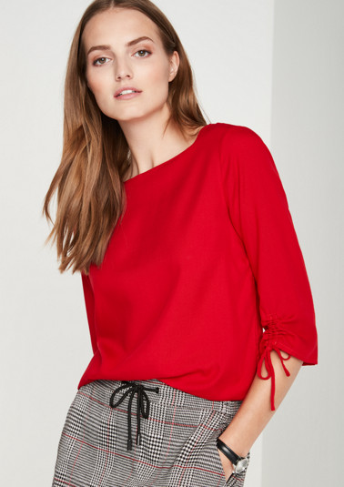 Casual blouse with sophisticated details from comma