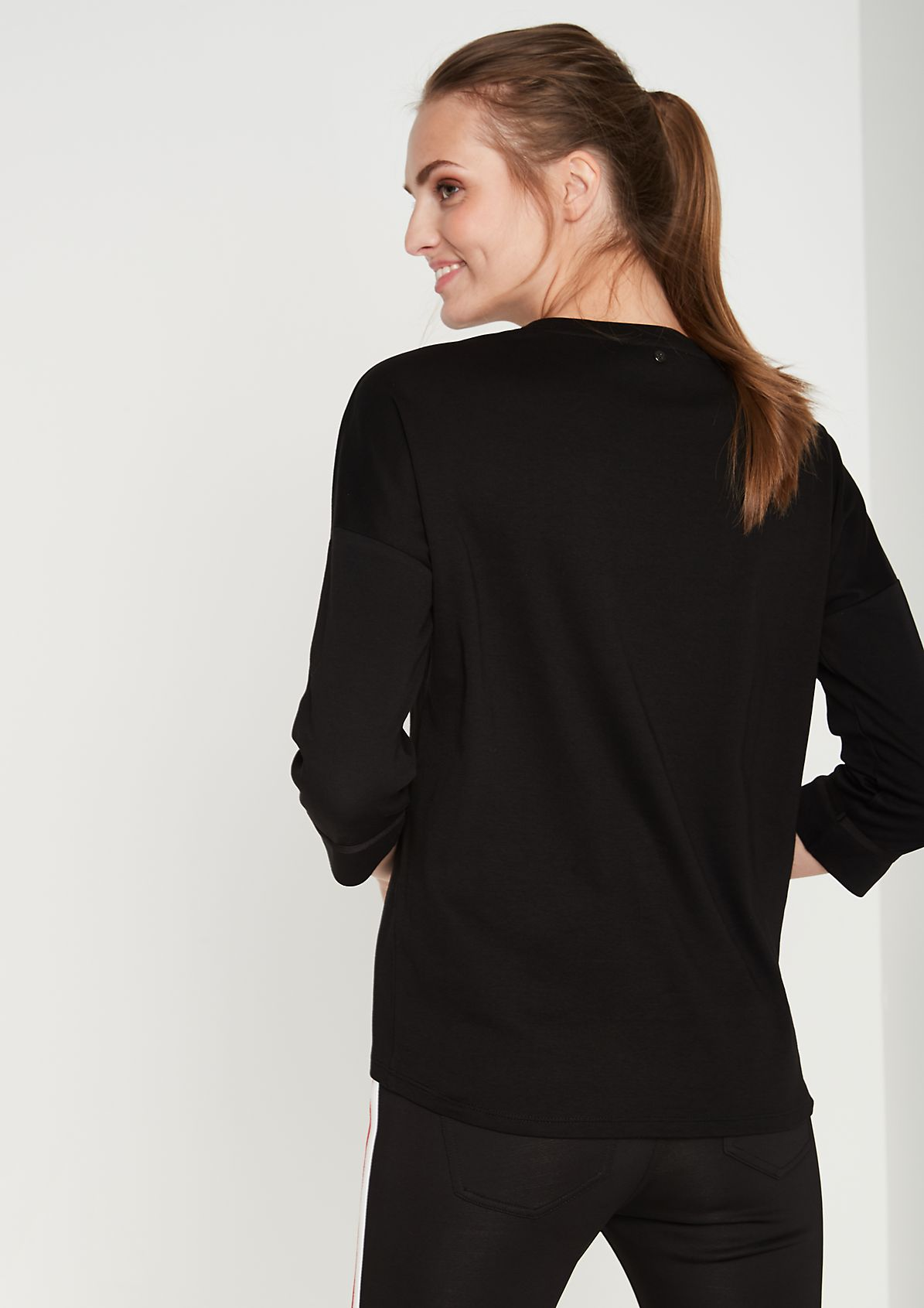 3/4-sleeve top with a statement print from comma