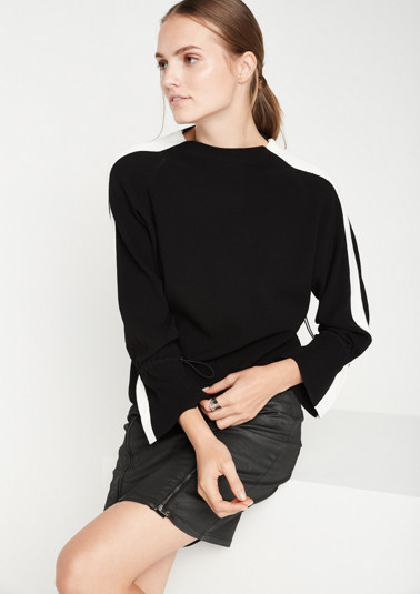Knit jumper with contrast stripes from comma