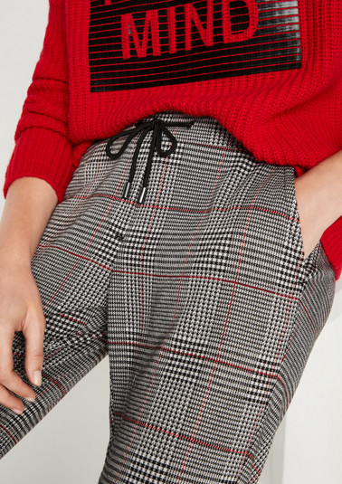 Casual 7/8-length trousers with a classic Prince of Wales check pattern from comma