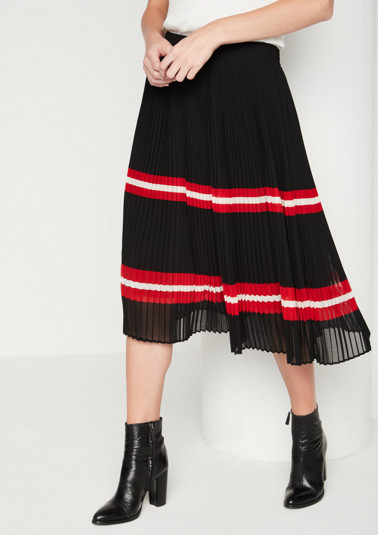 Delicate skirt with decorative stripes from comma