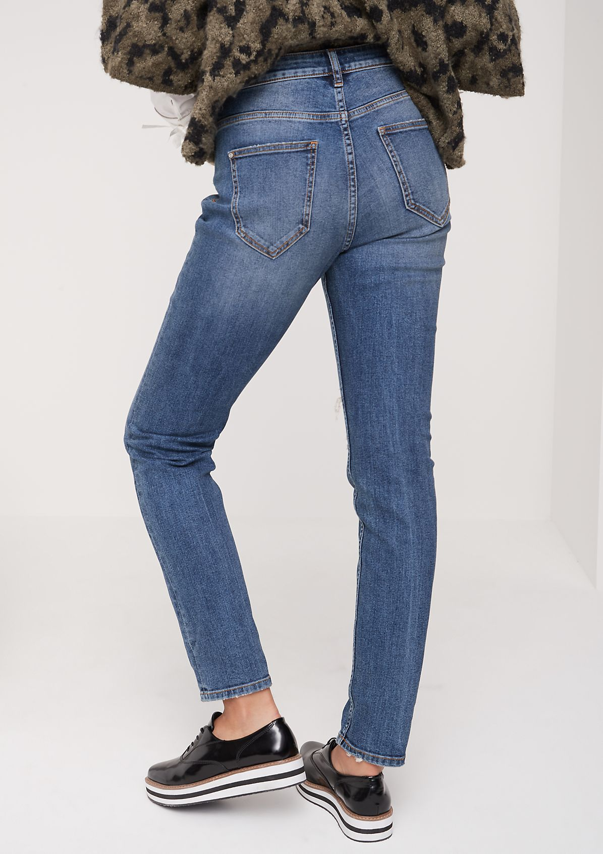vintage-style jeans from comma