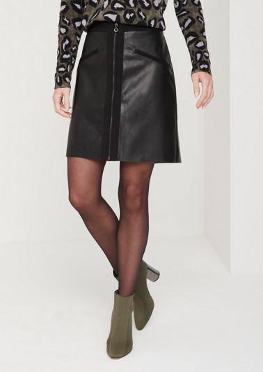 Mini skirt made of shiny faux leather from comma